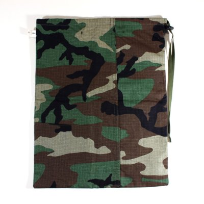 画像2: NADA. /  RE-MAKE CAMO DRAWSTRING BAG   / バッグ【カモ】
